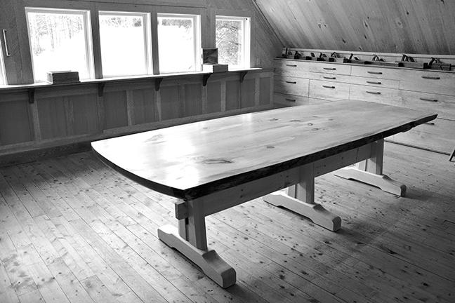 tableroomb&w.jpg