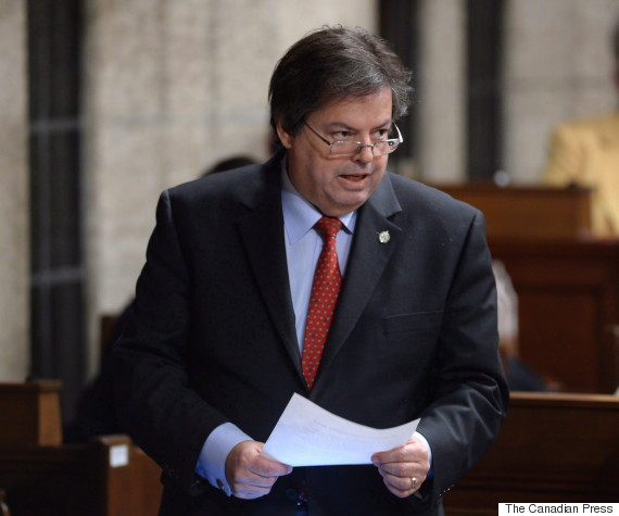 Mauril Belanger answers a question in the House of Commons in Ottawa, Dec. 7, 2015.    (Photo: Sean Kilpatrick/The Canadian Press)
