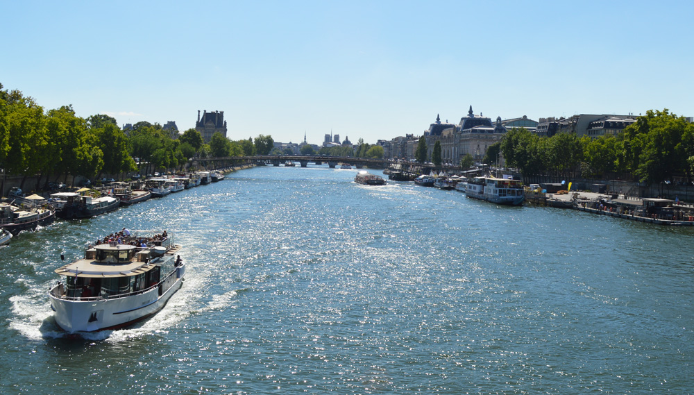 Seine river paris s
