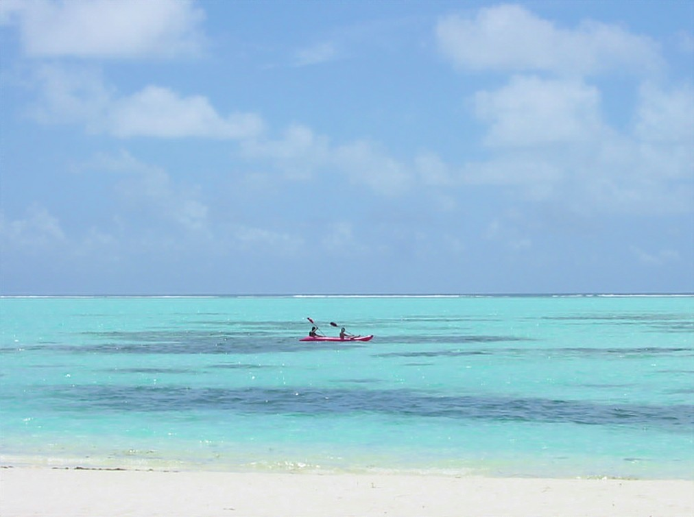 maldives canoe