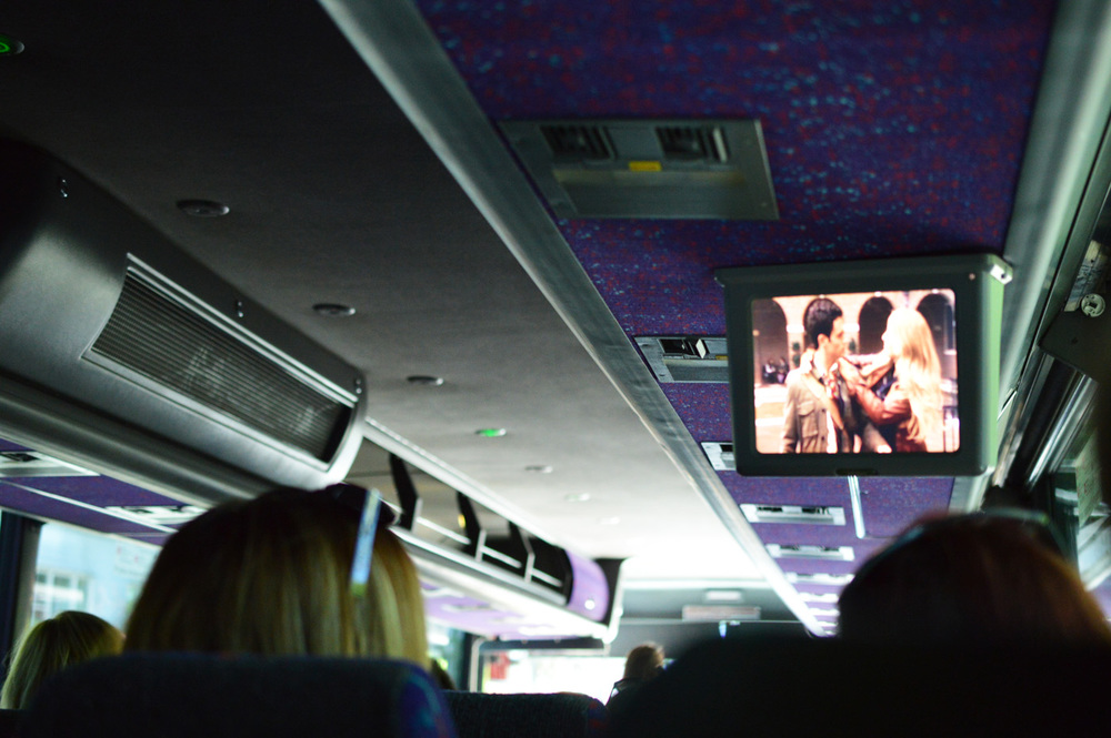 Gossip-Girl-Tour-On-The-Bus.jpg