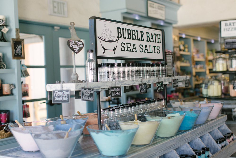 Old Town San Diego travel guide! Make sure to head to Toby's Candle and Soap shop to dye your own candles! Create candles, choose from unique candles, bath salts, and more.