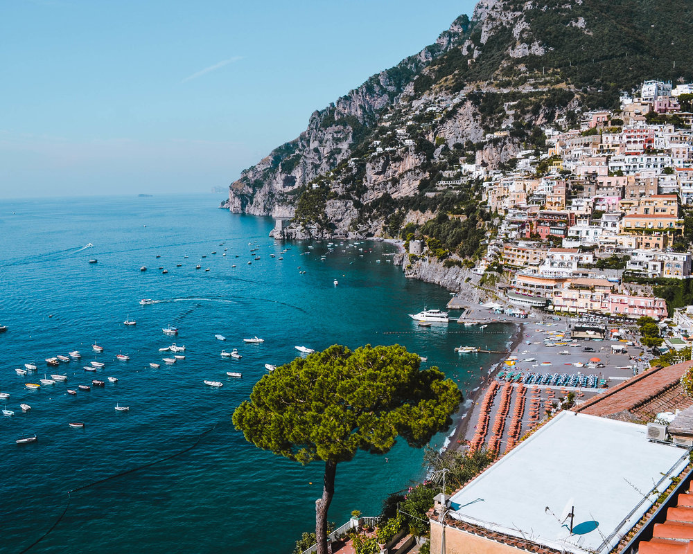 How to decide if you should start a blog! PHOTO: Positano, Italy / goseekexplore.com