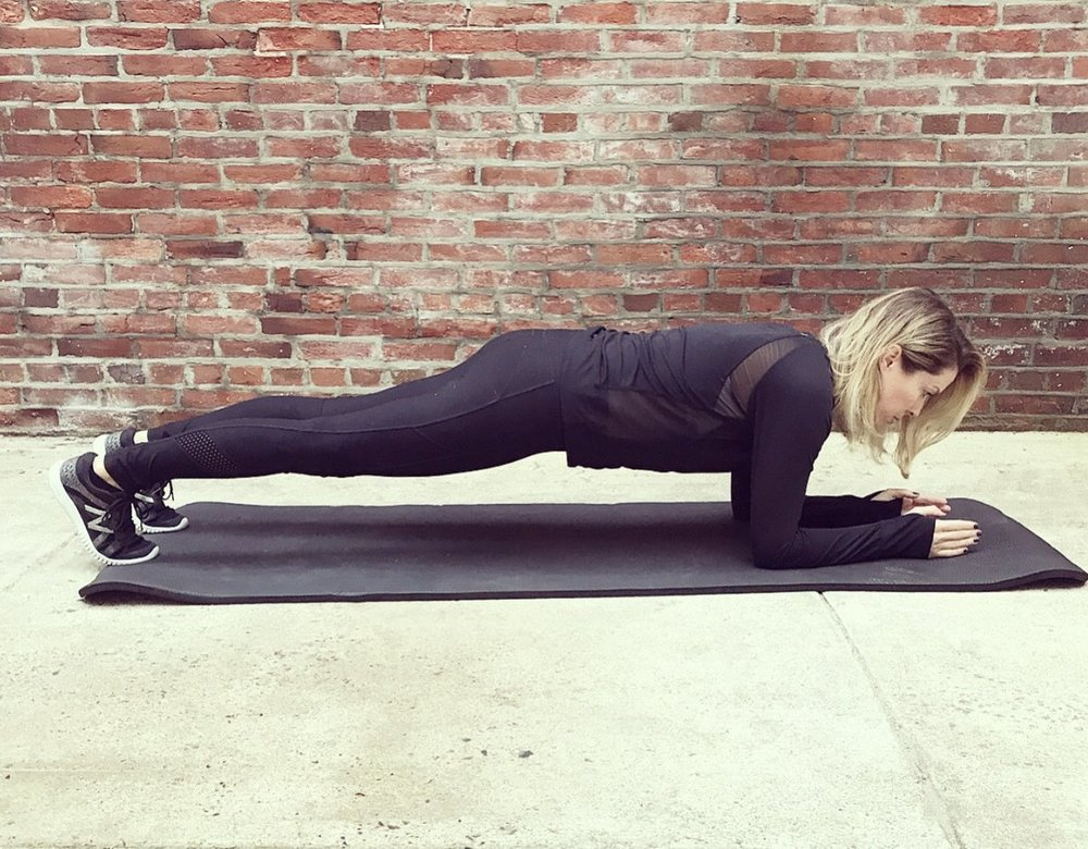 ashley-blake-fitness_standard-plank.jpg