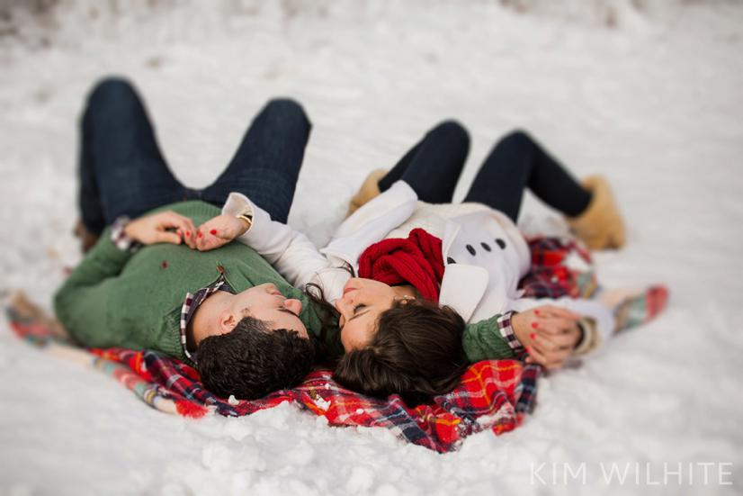 snowy-engagement-pictures-49