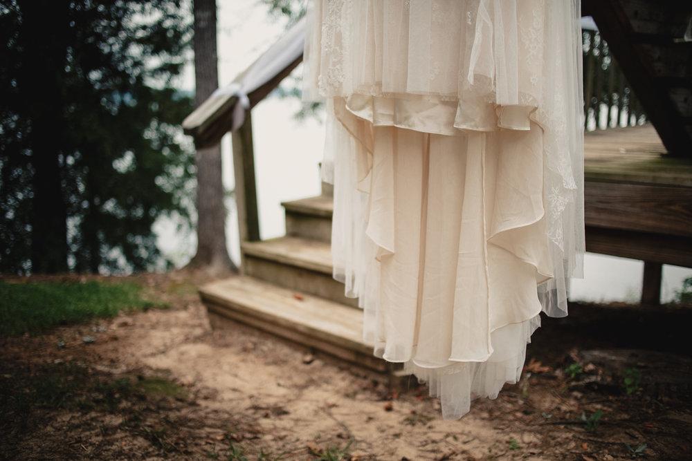 wedding-dress-outdoor-wedding