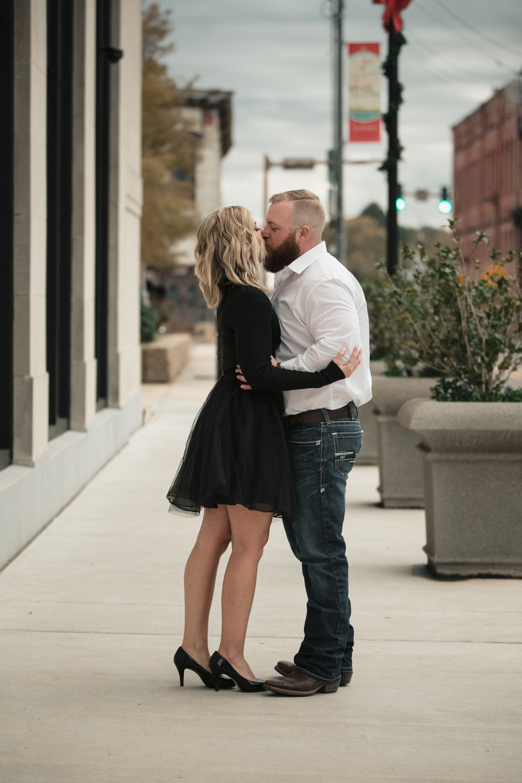 downtown-monroe-romantic-photos-128.jpg
