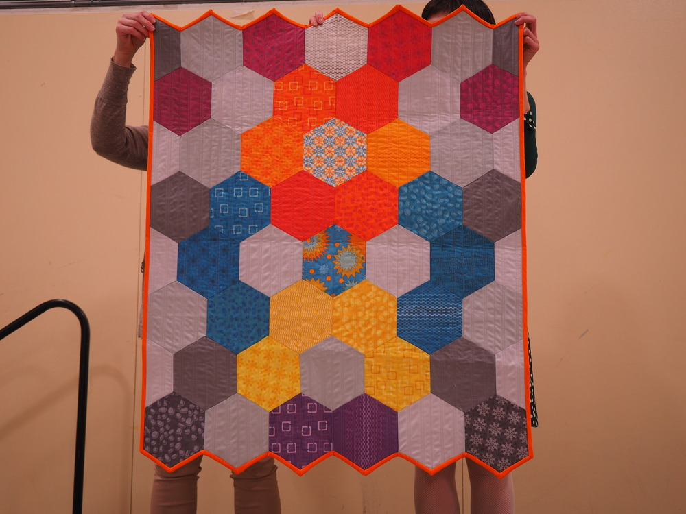 Gail Weiss   A Big Hexie Quilt   @gweiss23   Y-seams and bias binding trial