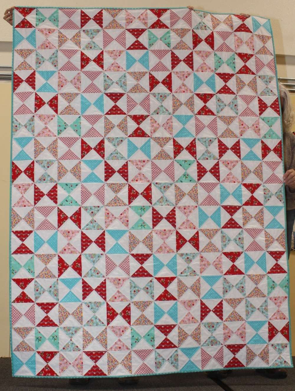 Alysson    Instagram: @mama_in_stitches    Will Quilt for Wine