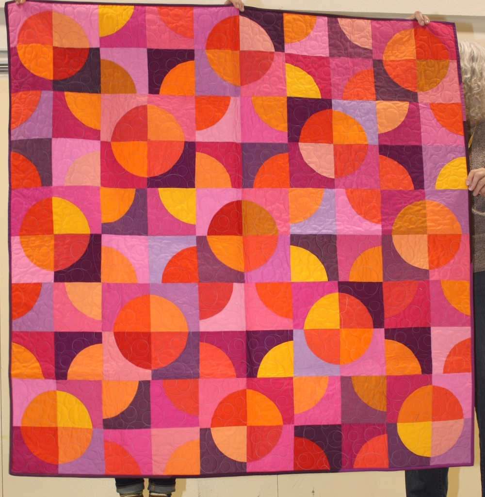 Cath Hall  Instagram: Wombat Quilts  Curves Quilt