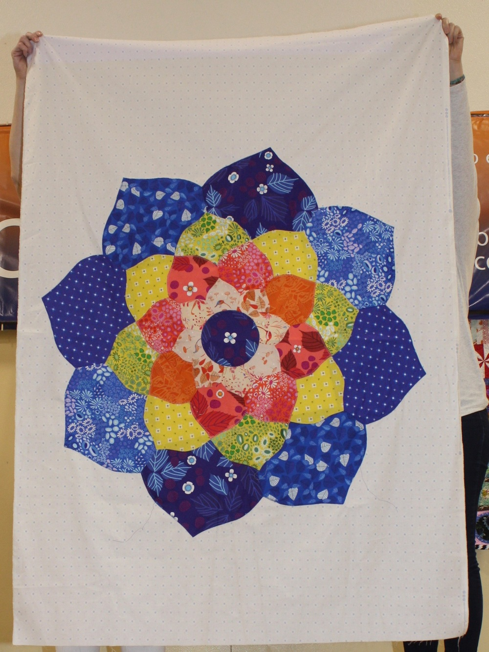 Kathryn Schmidt  Pattern by Violet Craft, The Mandala Quilt  @makeshiftkat
