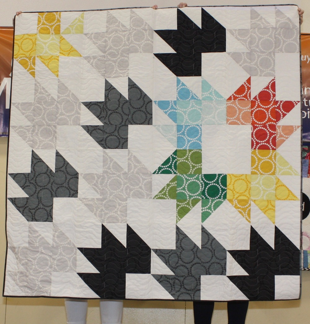 Elsa Hart  Chai Star, Pattern from the book, Vintage Quilt Revival   Quilted by Joleen Knight  @elsabean