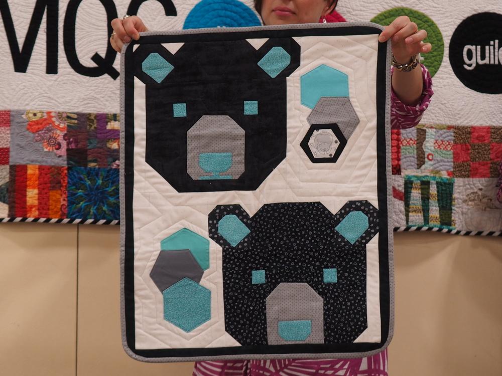 Sandi Duvall  Lexie Bears  @myquiltedkitten  Pattern Elizabeth Hartman Bears
