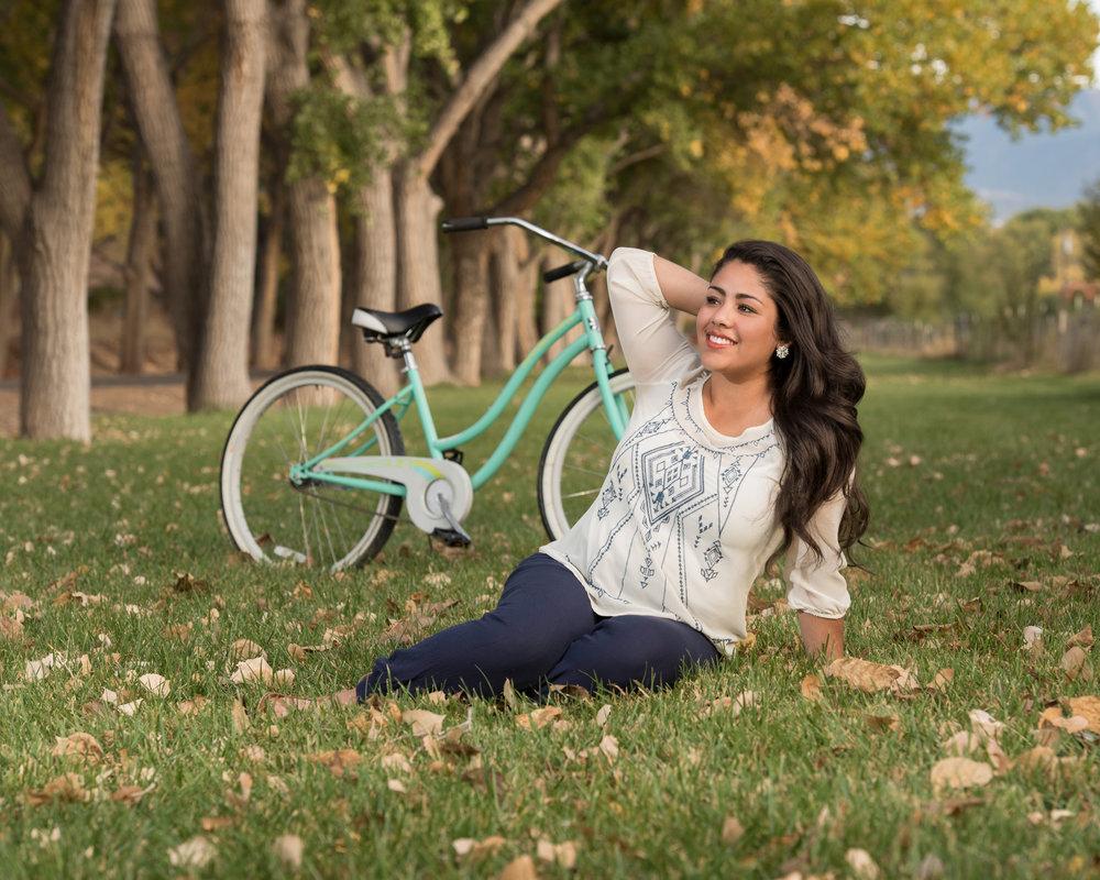 Senior Photo with bike, outdoor senior photos, Fall senior photo