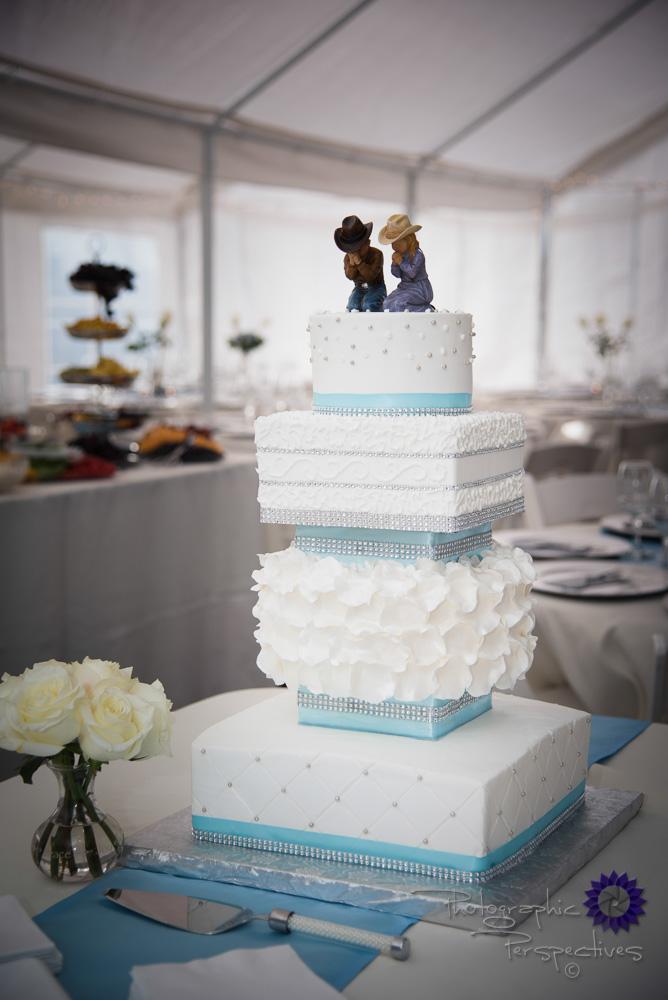 wedding cake, tiffany blue ribbon, white roses, crystal, cowboy