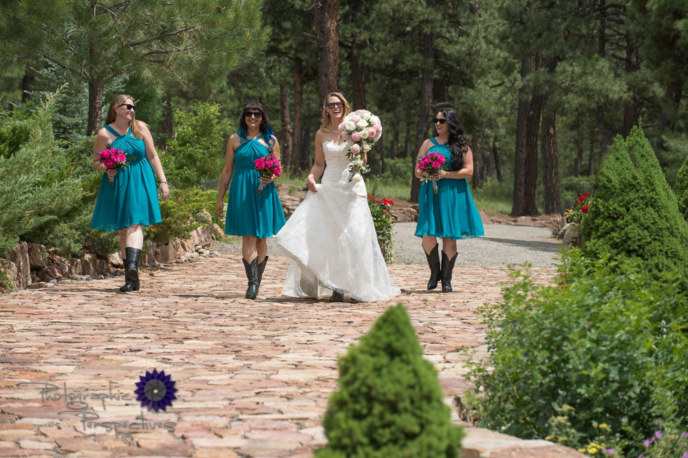 girls group pictures, teal bridesmaid dresses, fun wedding portr