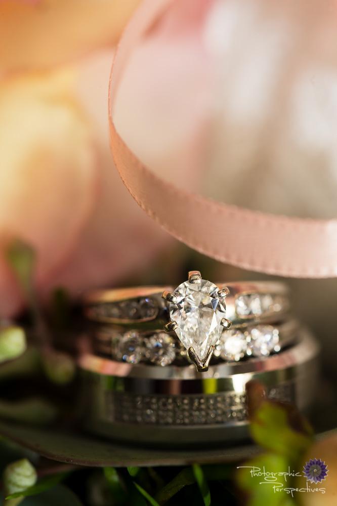pear cut diamond, wedding rings, Pink Ribbon