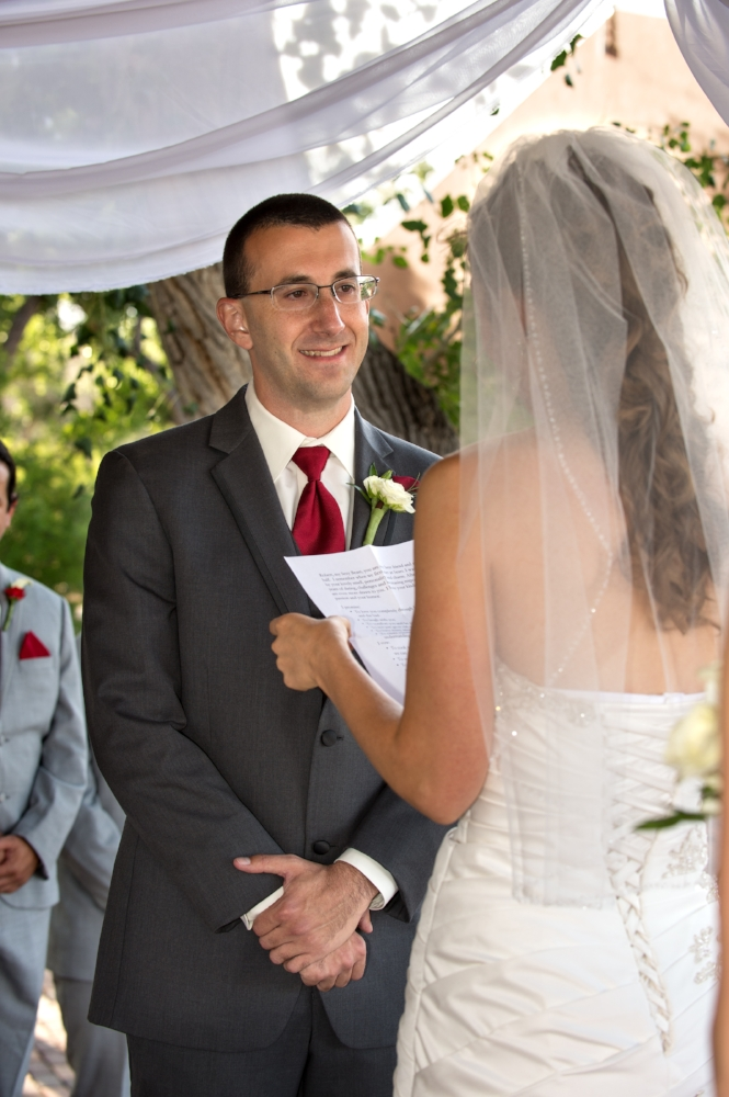 Photos exchanging vows, Wedding Pictures, Tamaya Wedding, Wedding Photographers