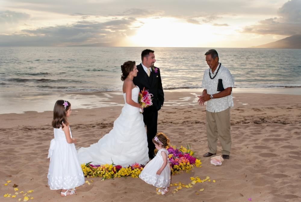 Destination Wedding Photographers, Sunset Photo, Beach Ceremony, Hawaii Wedding