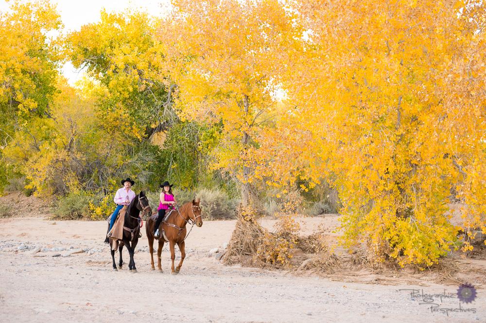 Anniversary photo-shoot in Albuquerque, New Mexico along the Rio Grande river.