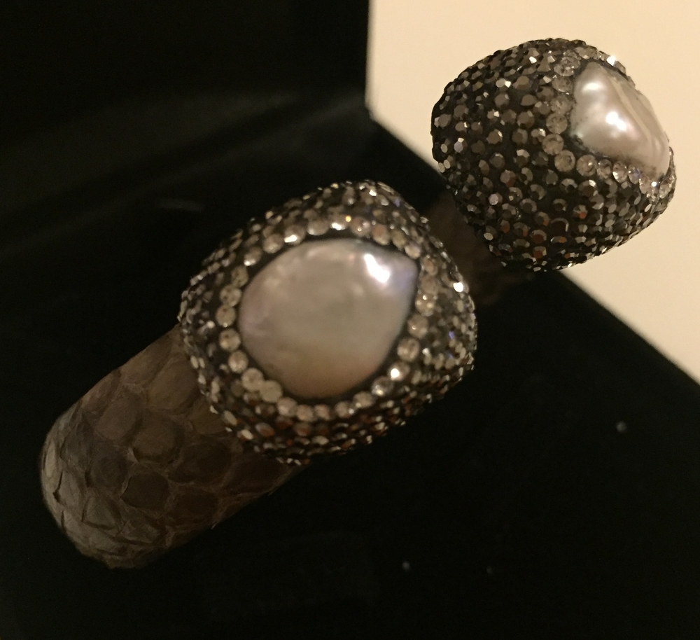 (40) Bracelet Snakeskin White 2.JPG