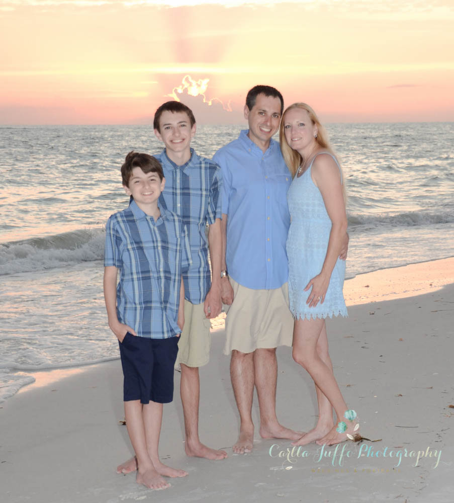 Beach Family Portraits in Siesta Key - Carlla Juffo Photography