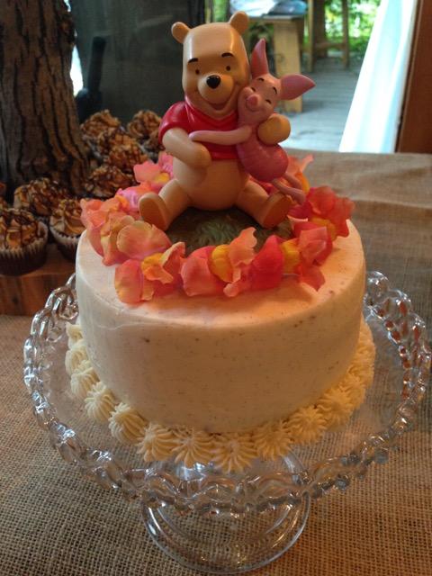 winnie the pooh wedding cake.jpg