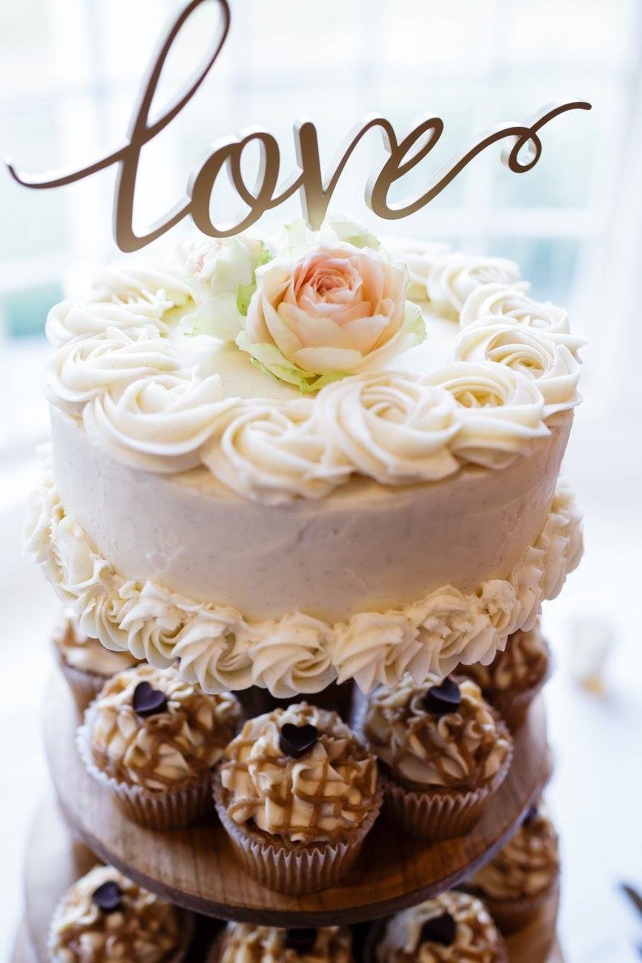 love cake cupcake tree wedding.jpg