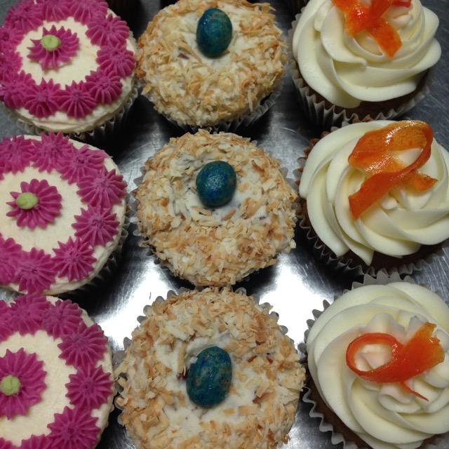 easter cupcakes 1.jpg