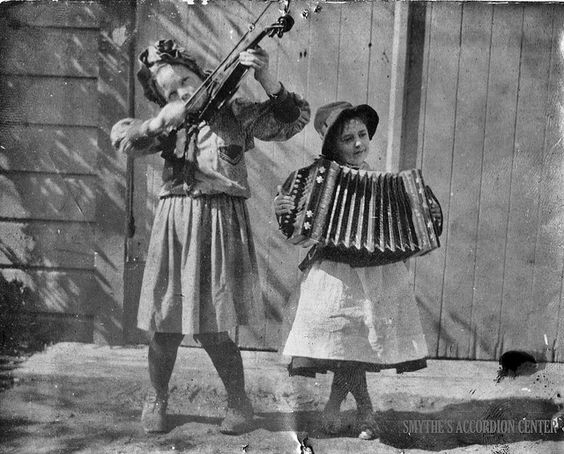 accordian and fiddle.jpg