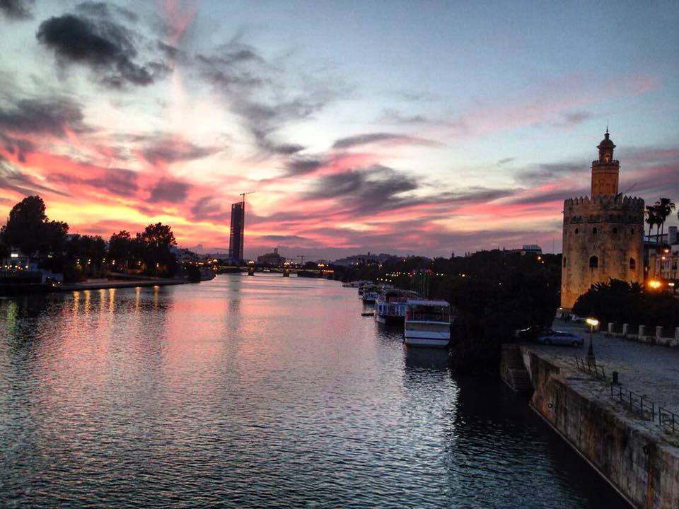 The Torre del Oro and the Río Guadalquivir at sunset