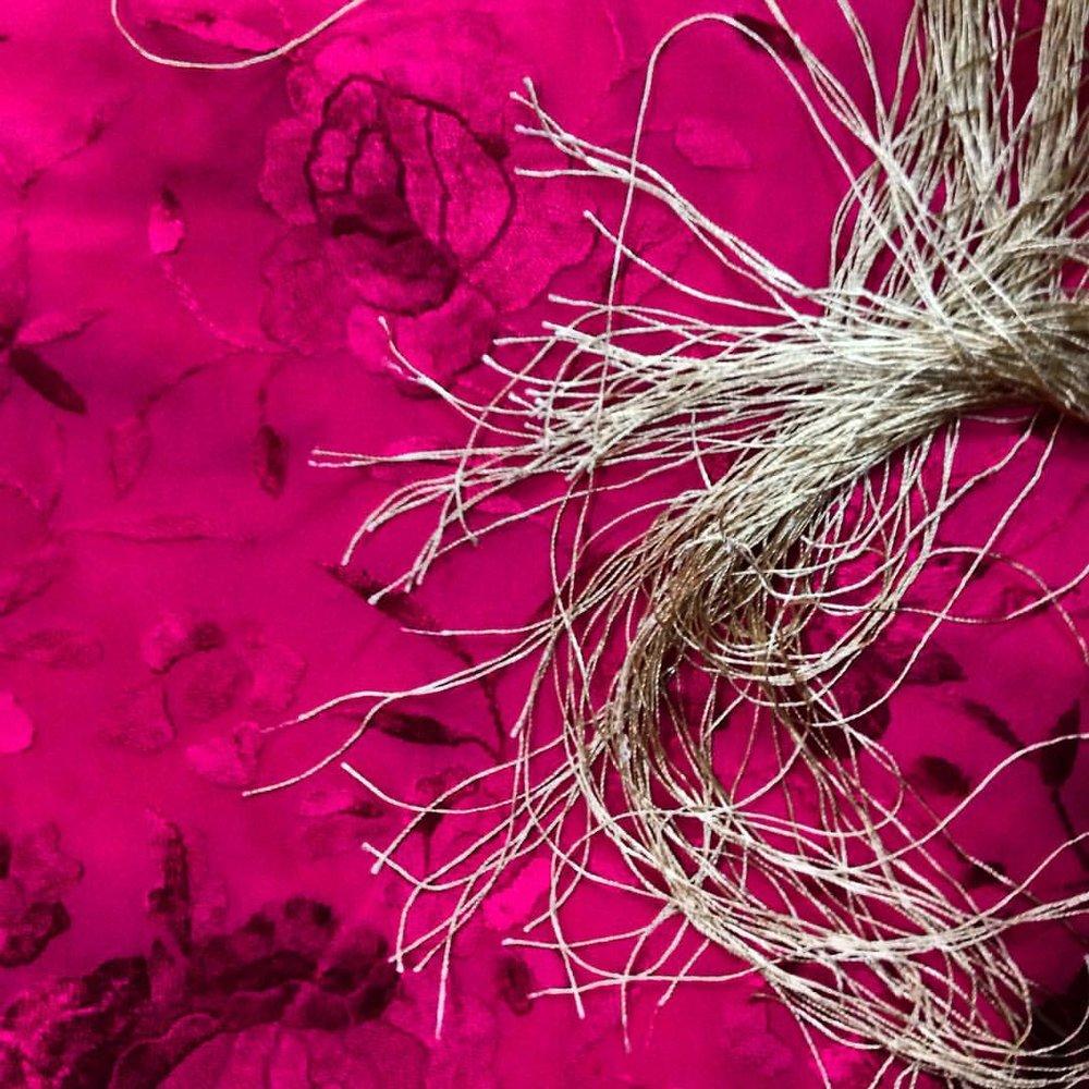 hot pink mantón.jpg