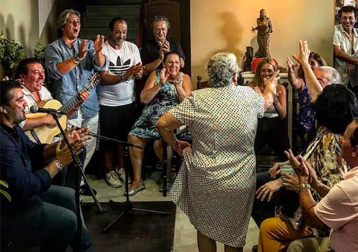 Juana dancing fin de fiesta at the peña