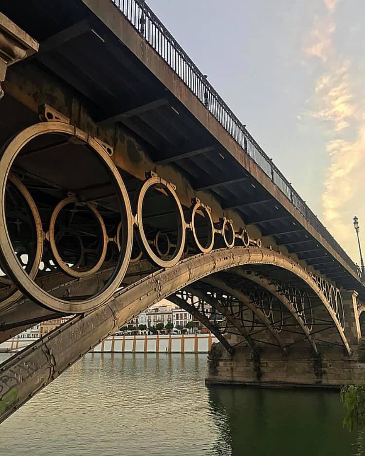 Puente de triana.jpg