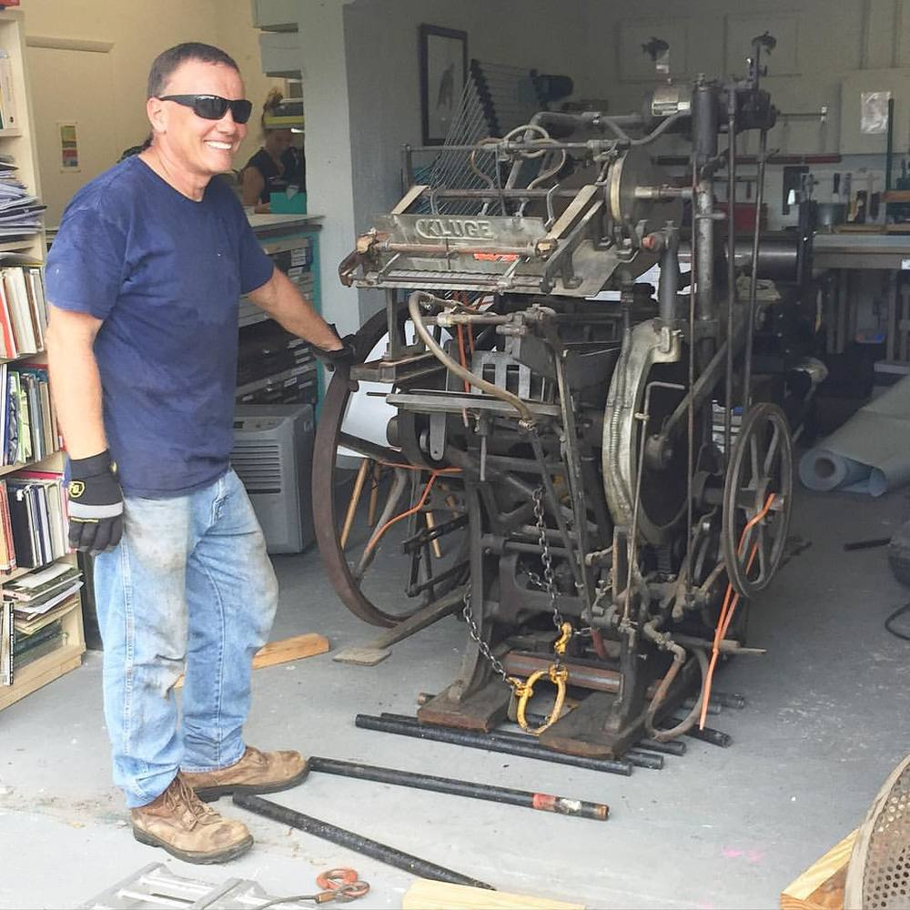 After a year of residence in the shop Big Jim is moving out. Brian here is very happy to take on the challenge of restoring and learning how to run the 10x15 with a Kluge feeder. We wish him the best of luck and can't wait to see it back in action! (at Is Projects)