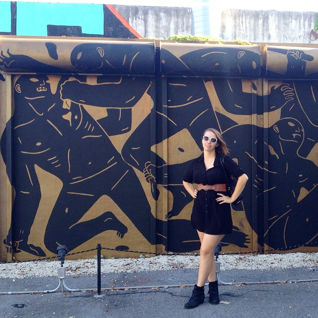 Stopped by Wynwood Walls today during the break between the classes I teach at ArtCenter South Florida. Love this mural by @cleonpeterson! Also just so happened to be color coordinated (at Wynwood Walls)