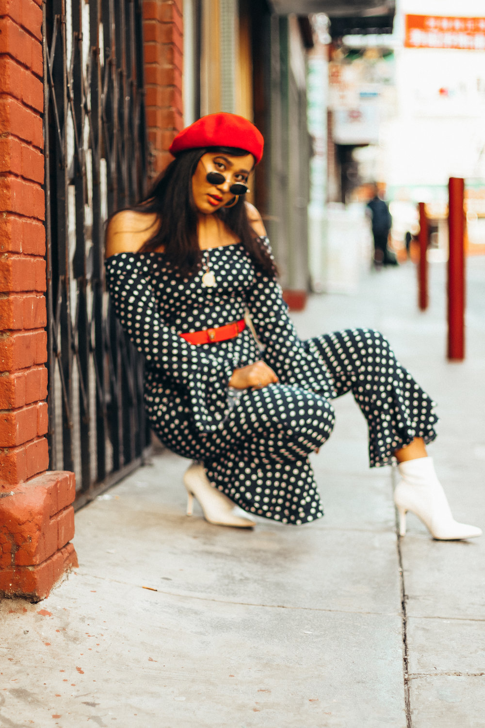 french-style-jumpsuit-beret-look