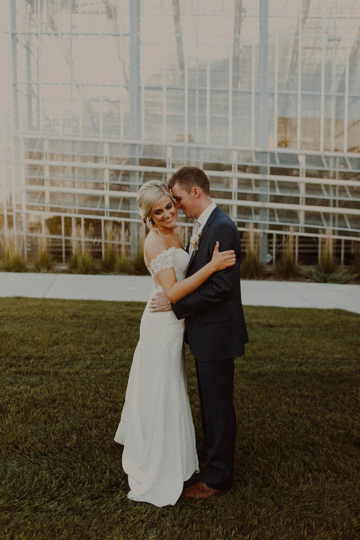 Brandon + Shannon  Lauritzen Gardens wedding in Omaha, Nebraska     View