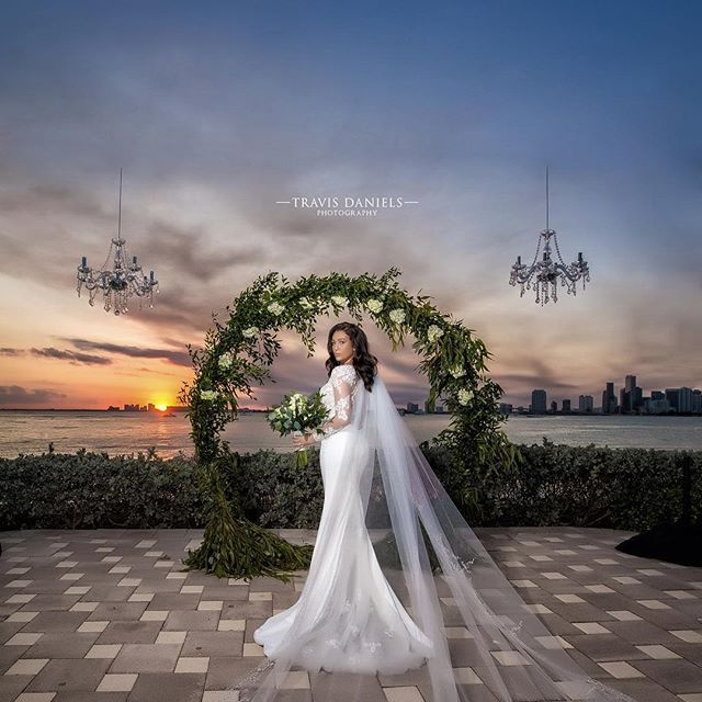 #therosesarewed #eternallyrose by @travisdanielsphotography #quality is 🔑 #bride #sunset #weddingdress #weddingday #shesaidyes #miamiwedding #destinationwedding