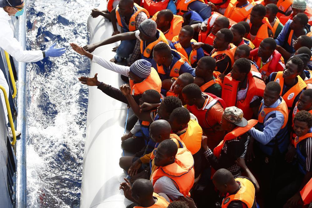 MOASc MIgrants boat p 211.jpeg
