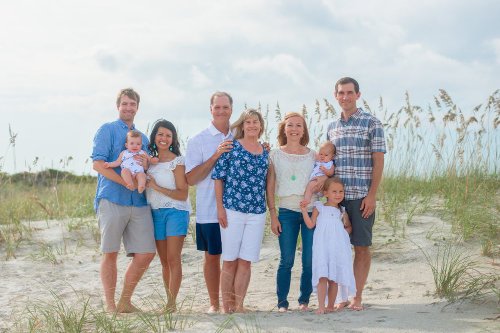 ocean isle beach photographer captures extended family photography session