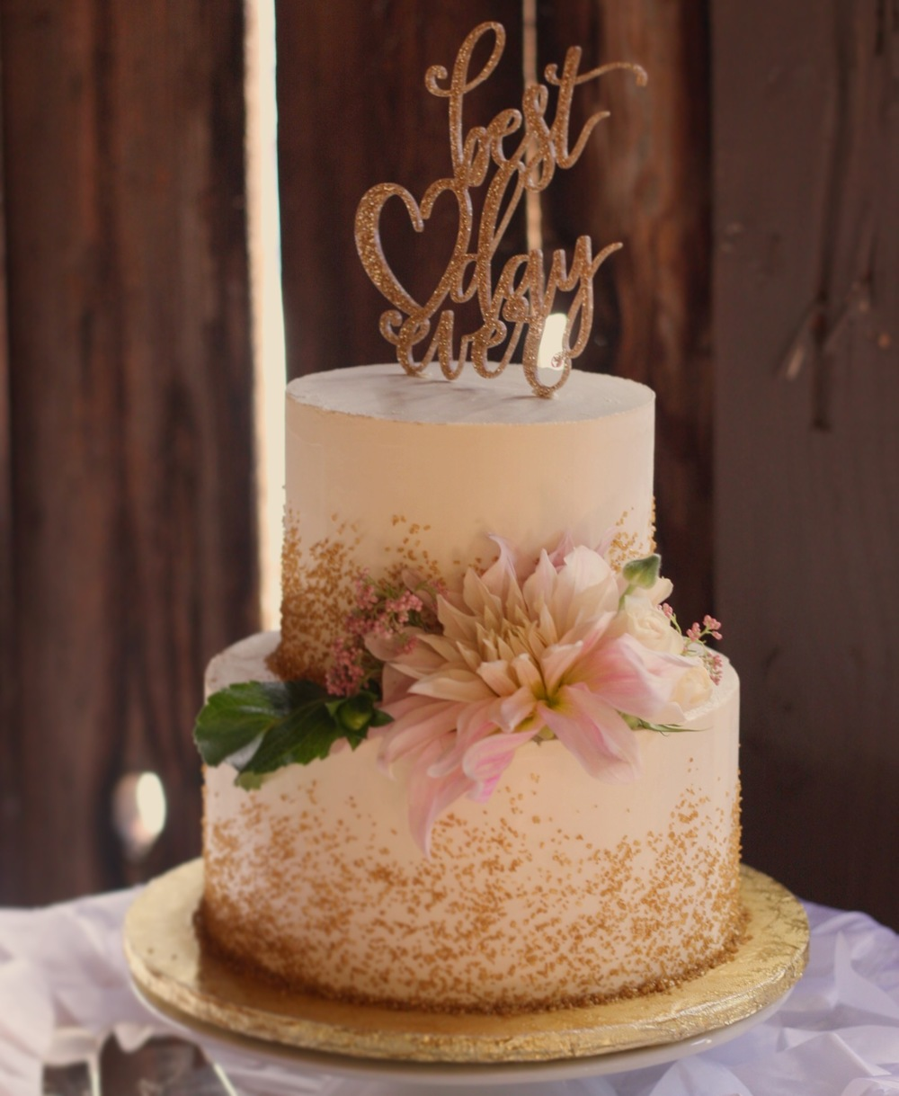 Smooth Buttercream Cake with Gold Sparkling Sugar