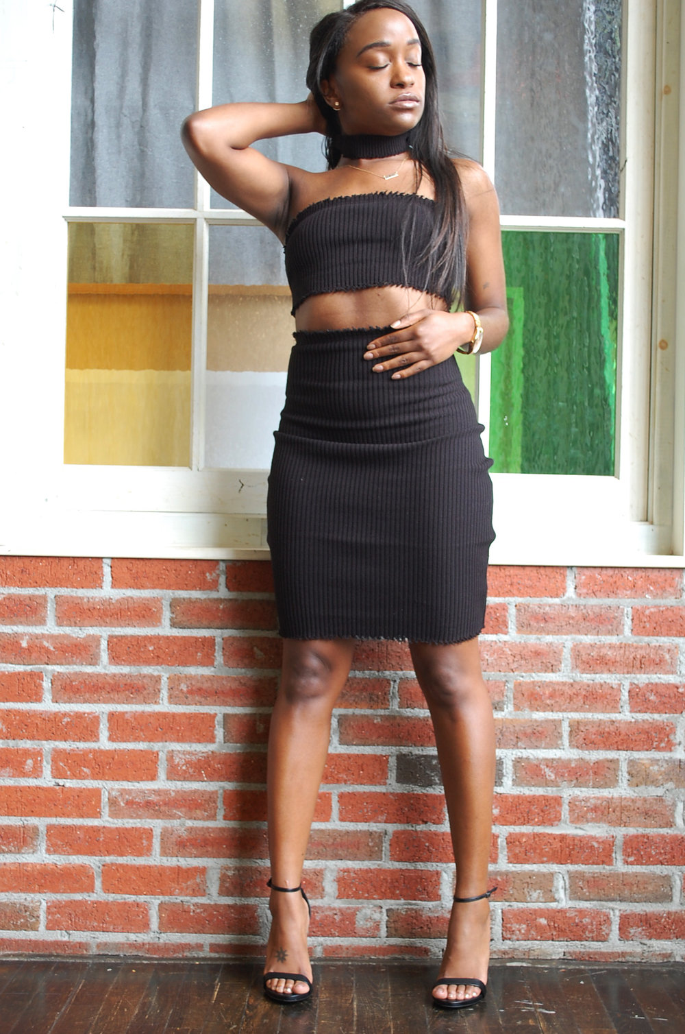THE DEETS:  Ribbed Bandeau -   Sorella * ; Melina Ribbed Mini Skirt -   Boohoo  * Stecy Sandals -   Steve Madden      *similar style