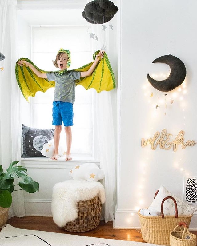 Posting this classic photo of @babyjives' son being #wildandfree in his amazing @lovelanedesigns costume to let all you mamas, mamas to be, and friends of mamas know that we're doing a giveaway on @everlaserkids for almost $300 worth of goodies for kiddos! Check it out 🐲🌙✨