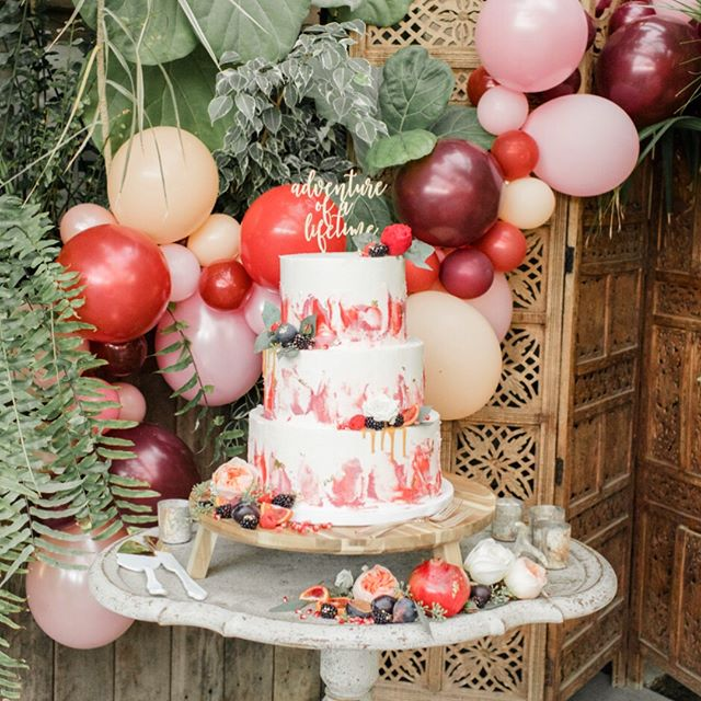 Adventure of a lifetime! ⠀⠀⠀⠀⠀⠀⠀⠀⠀ Planning/Design: @shannonwellingtonwedding Cake: @nutmegcakedesign Florals: @devonandpinkett Balloons: @onestylishparty Venue: @terrain_events