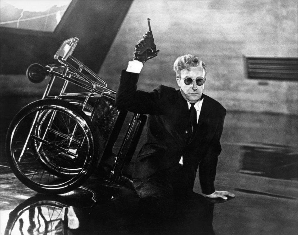 Peter-Sellers-as-Dr-Strangelove-a-wheelchair-bound-ex-Nazi-professor.jpg