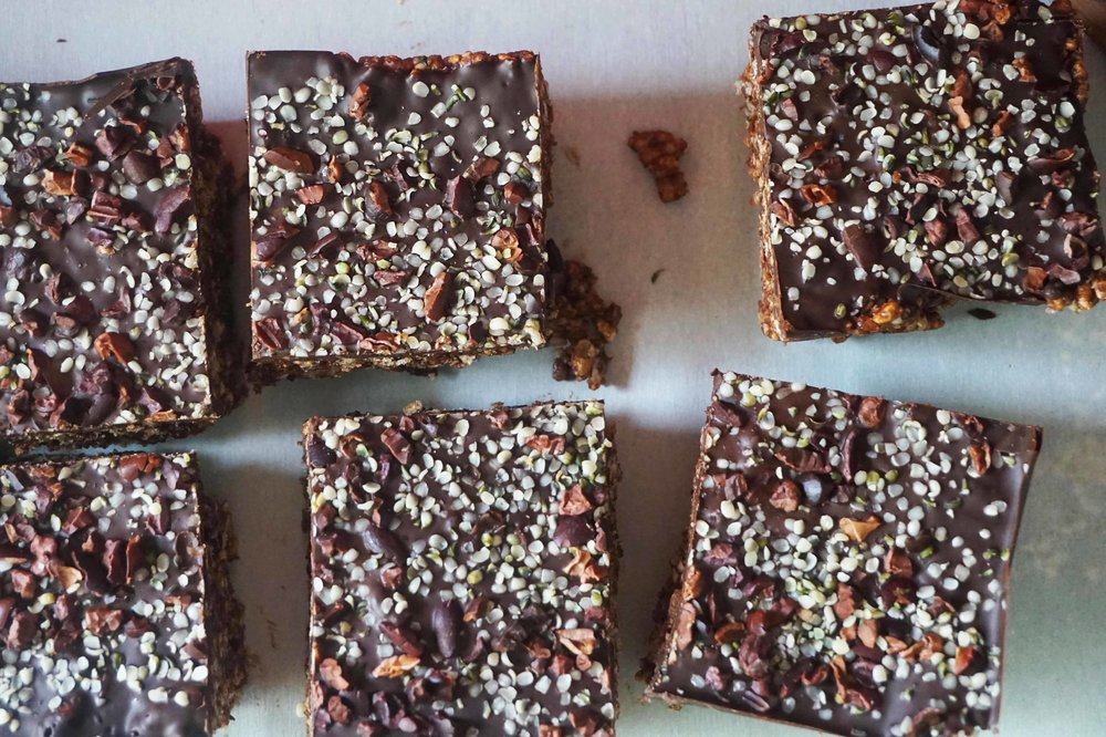 Sprinkle with hemp seeds, cacao nibs and sea salt .