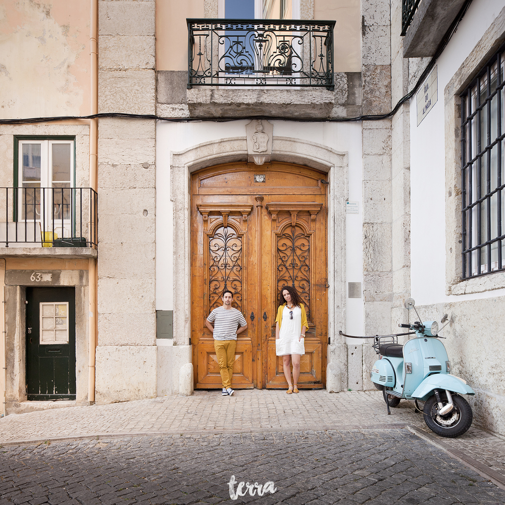 sessao-fotografica-casal-bairro-alto-lisboa-terra-fotografia-0029.jpg