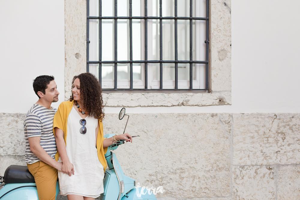 sessao-fotografica-casal-bairro-alto-lisboa-terra-fotografia-0032.jpg