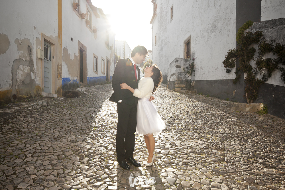 sessao-fotografica-trash-the-dress-viva-hotel-obidos-terra-fotografia-0037.jpg
